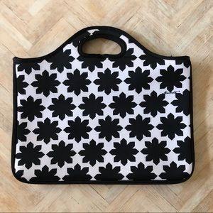 Macbeth Collection Laptop Bag 11x15 Black & White